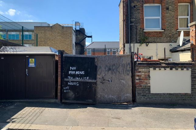 Thumbnail Parking/garage to let in Mcdonald Road, Walthamstow