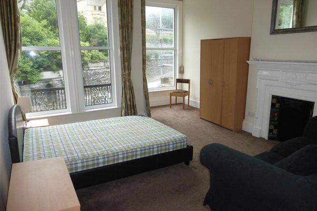 Thumbnail Flat to rent in Mannamead Road, Mutley, Plymouth