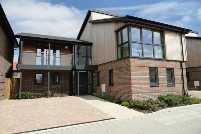 Thumbnail Detached house to rent in Abacus Drive, Oakgrove, Milton Keynes