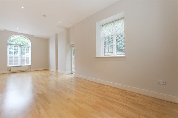 Thumbnail Flat to rent in Woodlands Heights, Vanbrugh Hill, Blackheath