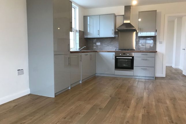 Thumbnail Flat to rent in London Road, Sayers Common, Hassocks