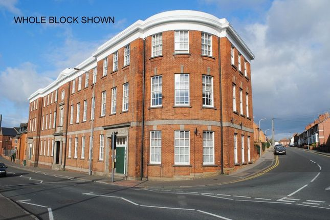 Thumbnail Flat to rent in Rectory Road, Rushden