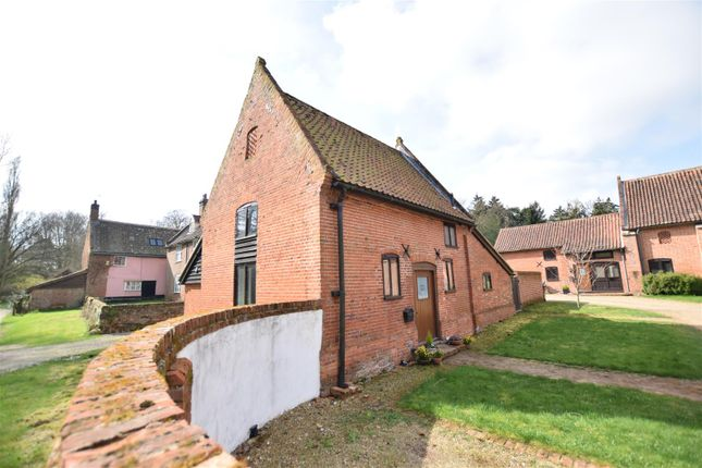 Thumbnail Barn conversion for sale in The Common, Dunston, Norwich