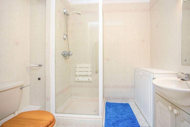 Shower Room / W/C