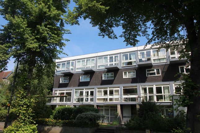 Thumbnail Flat to rent in Broad Reach, The Embankment, Bedford