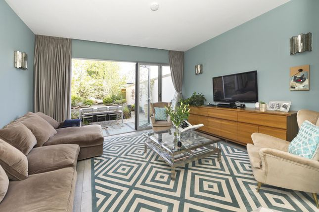 Thumbnail Property for sale in Argyll Place, Pangbourne Avenue, London