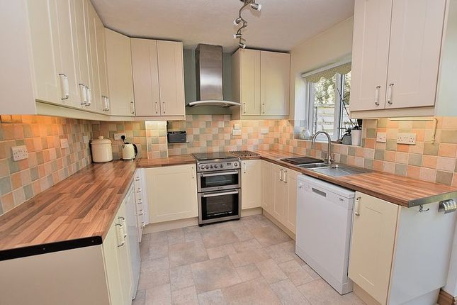 Thumbnail Link-detached house for sale in West Hill, Dunstable