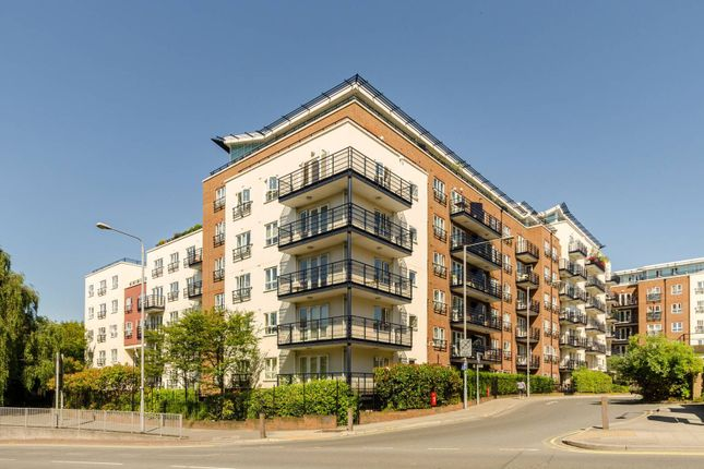 Thumbnail Flat to rent in Seven Kings Way, Kingston, Kingston Upon Thames