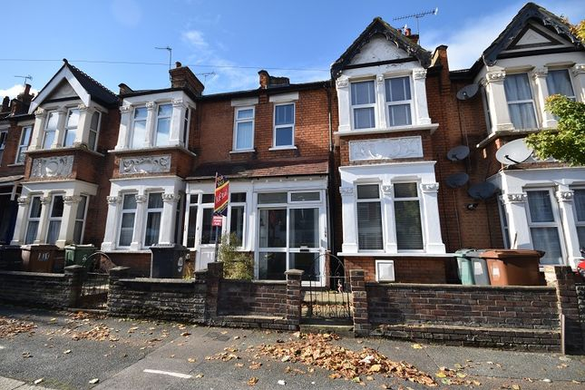 1 bed flat for sale in Winchester Road, Highams Park, London. E4