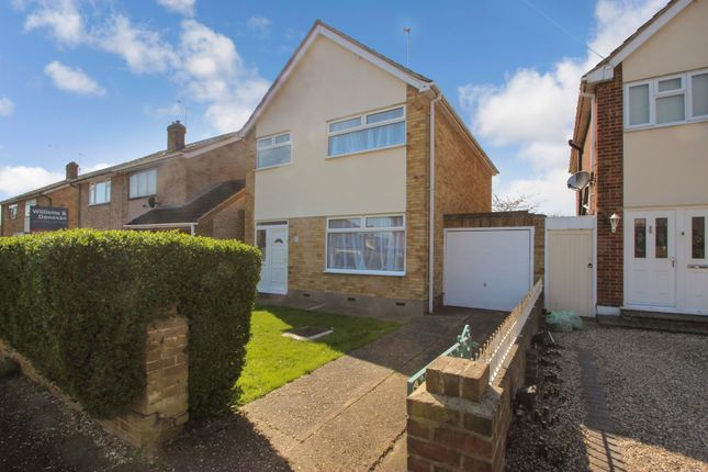 Thumbnail Detached house for sale in Overton Close, Benfleet