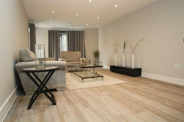 2 bed flat for sale in Waterside Business Centre, Railshead Road, Isleworth