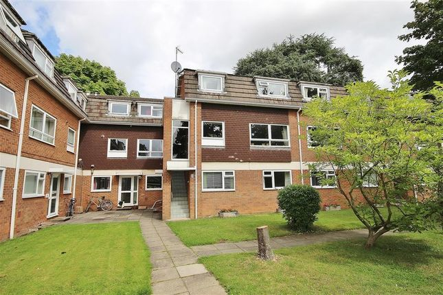 Flat to rent in Shelley Close, Abingdon-On-Thames