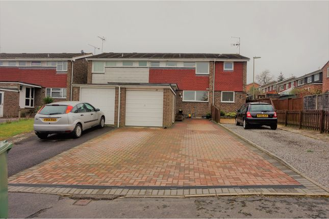 Thumbnail Terraced house for sale in Yellowhammers, Alton