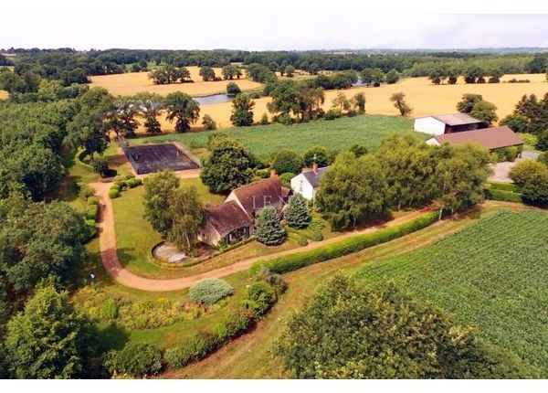 Thumbnail Property for sale in 03100, Montlucon, Fr