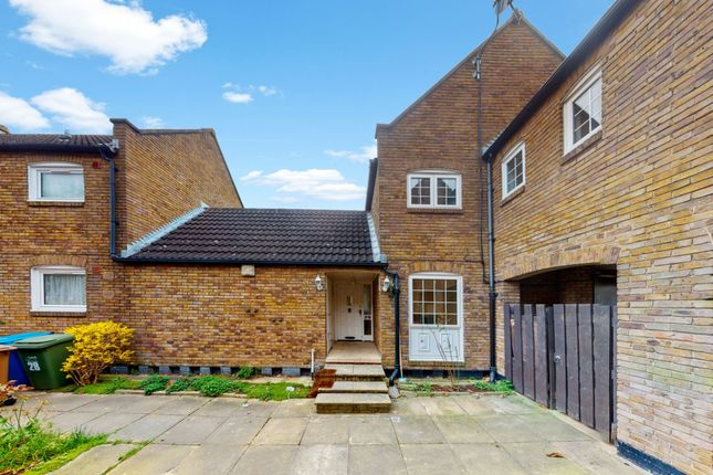 Thumbnail Terraced house for sale in Farrins Rents, London