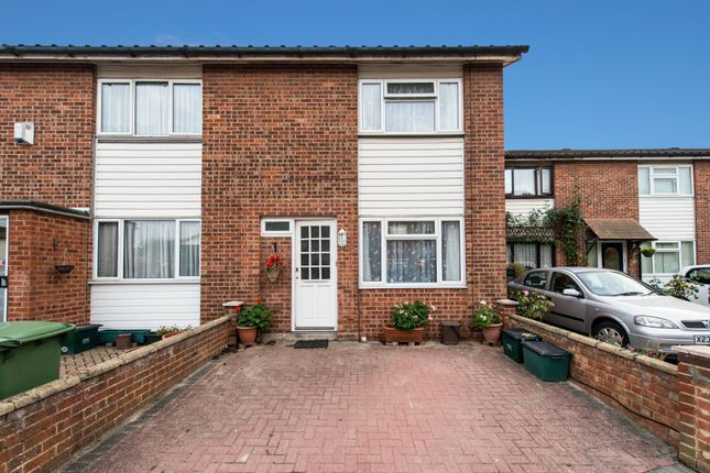Thumbnail Terraced house for sale in Chiswick Close, Beddington, Croydon
