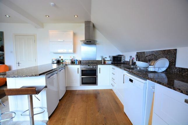 Thumbnail Flat to rent in 11 First Avenue, Hove