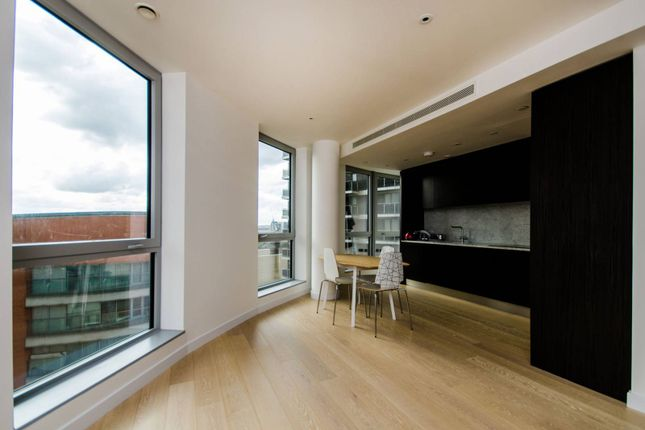 2 bed flat to rent in Columbia West, Canary Wharf