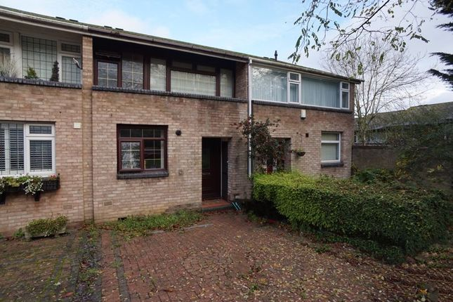 3 bed terraced house to rent in Wickhay, Basildon SS15