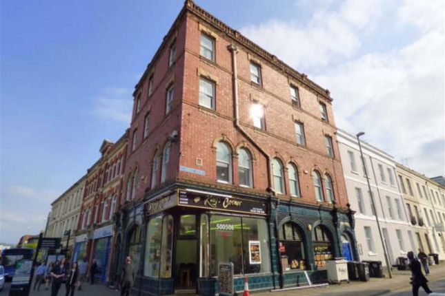 2 bed flat to rent in Clarence Street, Gloucester GL1