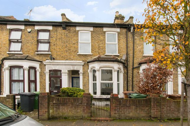 4 bed property to rent in Melobourne Road E10, Leyton, London