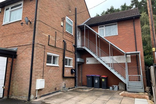 3 bed flat to rent in Manor Gardens, Dawley, Telford TF4