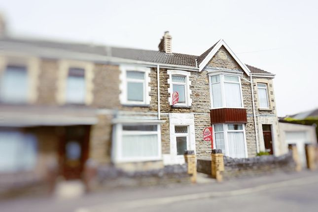 Thumbnail Flat to rent in Leonard Street, Neath, Neath Port Talbot.