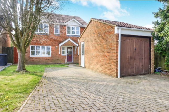 Thumbnail Detached house for sale in Thorn Close, Chatham