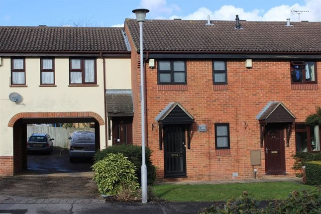 Thumbnail Property to rent in Mallowdale Road, Bracknell