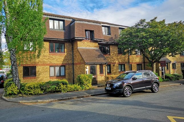Thumbnail Studio for sale in Southwold Road, Nth Wat, Watford
