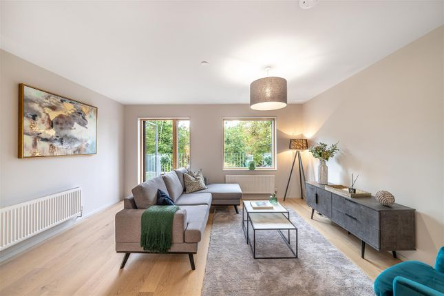 Thumbnail Town house for sale in Knollys Road, Streatham