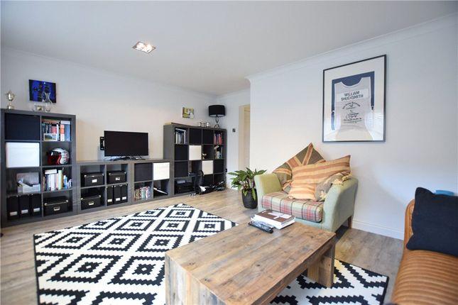 2 bed flat to rent in Fairfield Court, Alwoodley, Leeds LS17