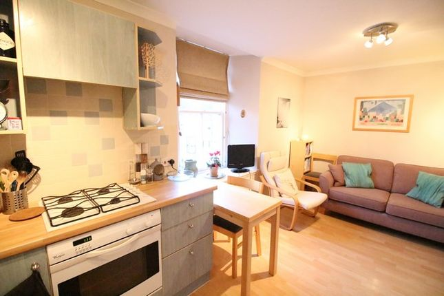 Thumbnail Flat for sale in 109B High Street, Linlithgow