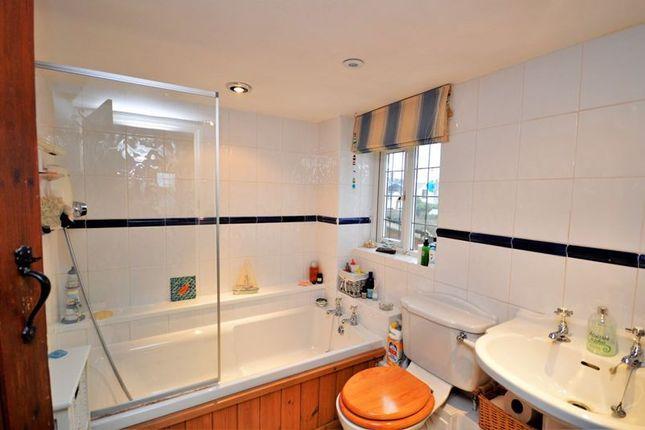 Bathroom of Lower Green, Westcott, Aylesbury HP18