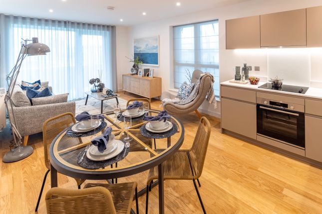 2 bedroom flat for sale in Samara Drive, Southall