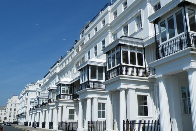 2 Bed Flat To Rent In Chichester Terrace Brighton East Sussex Bn2 483005 Zoopla