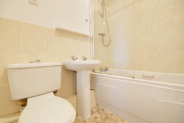 Bathroom of Lawson Court, Darwen BB3