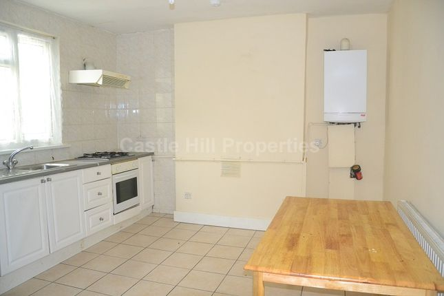 Thumbnail Flat to rent in Manor Road, West Ealing, Greater London.