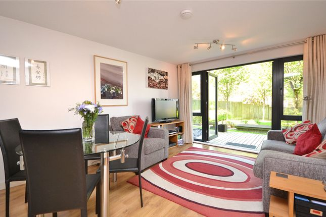 Thumbnail Flat for sale in Arc Court, Friern Barnet Road, New Southgate, London