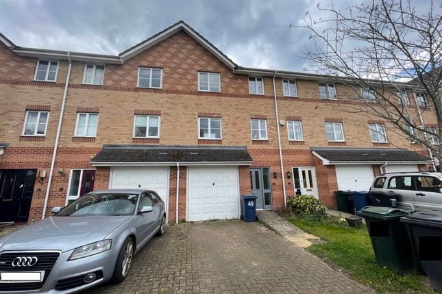 Thumbnail Town house for sale in Princes Gate, High Wycombe