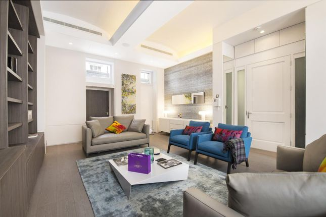 Thumbnail Flat for sale in Whitehall, Covent Garden