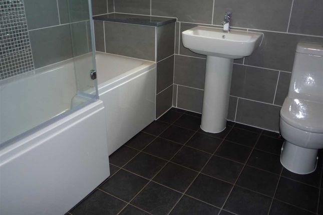 Bathroom of Darnley Street, Gravesend DA11