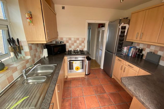Fitted Kitchen of Queens Walk, South Ruislip HA4