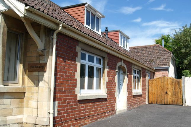 Thumbnail Bungalow for sale in Bath Road, Chippenham