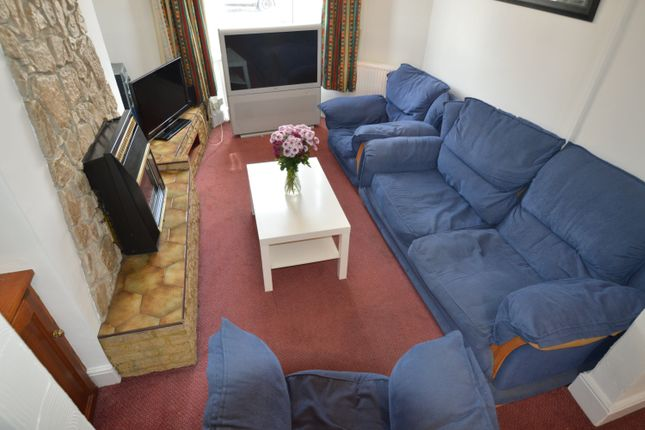 Living Room of Cwmdare Street, Cathays, Cardiff CF24