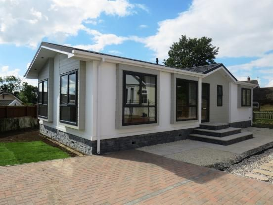 2 bed mobile/park home for sale in The Park, Langham, Oakham, Leicestershire