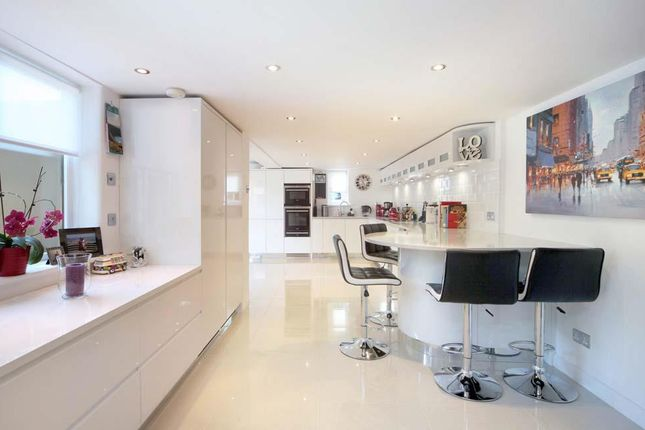 Thumbnail Detached house for sale in West Street, Marlow