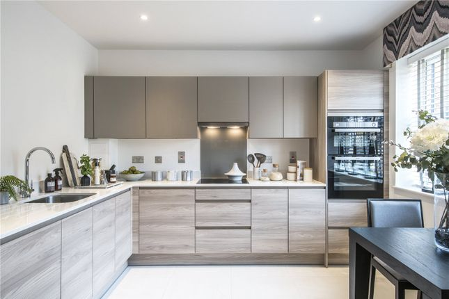 Thumbnail Property for sale in Cottage Walk, Godalming, Surrey