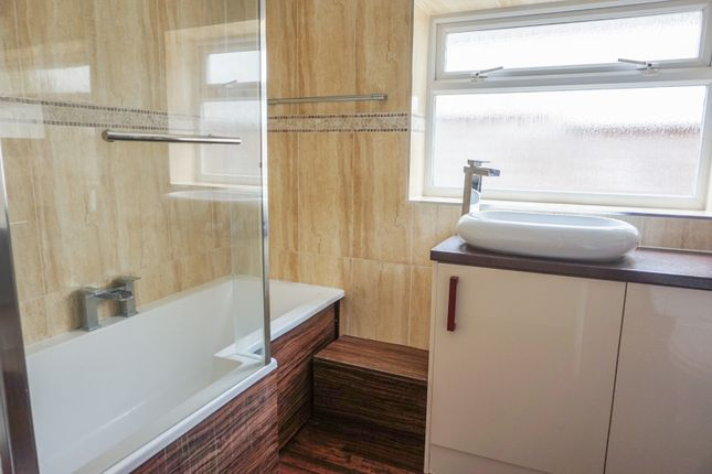 Bathroom of Woburn Avenue, Purley CR8