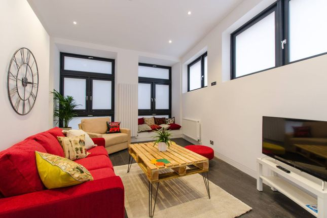 Thumbnail Flat for sale in Argyle Square, Bloomsbury